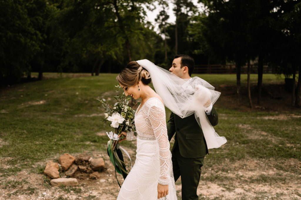 118 big sky barn wedding photographer mongomery texas