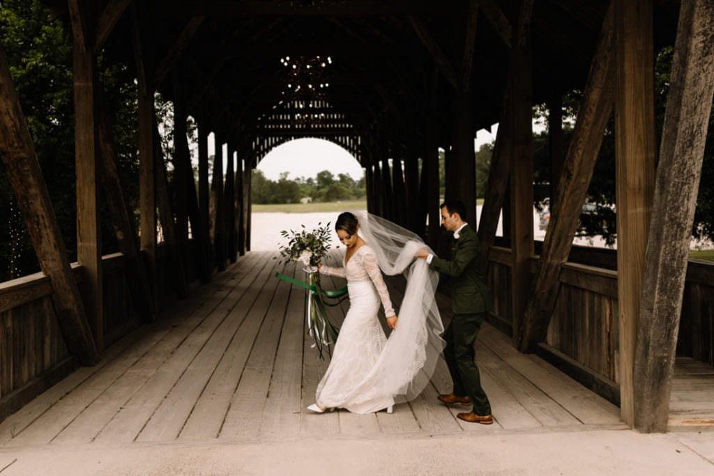 119 big sky barn wedding photographer mongomery texas
