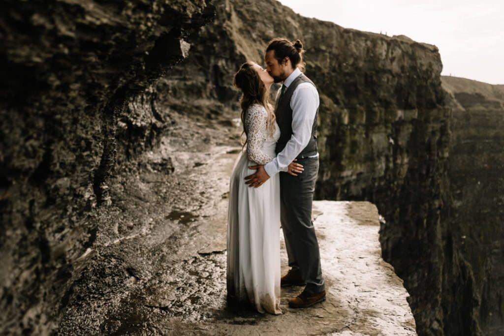 128 cliffs of moher elopement wedding photographer doolin