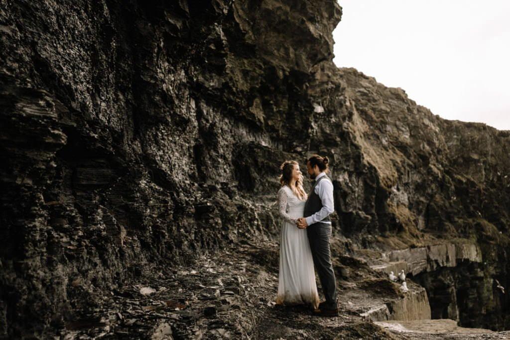 132 cliffs of moher elopement wedding photographer doolin