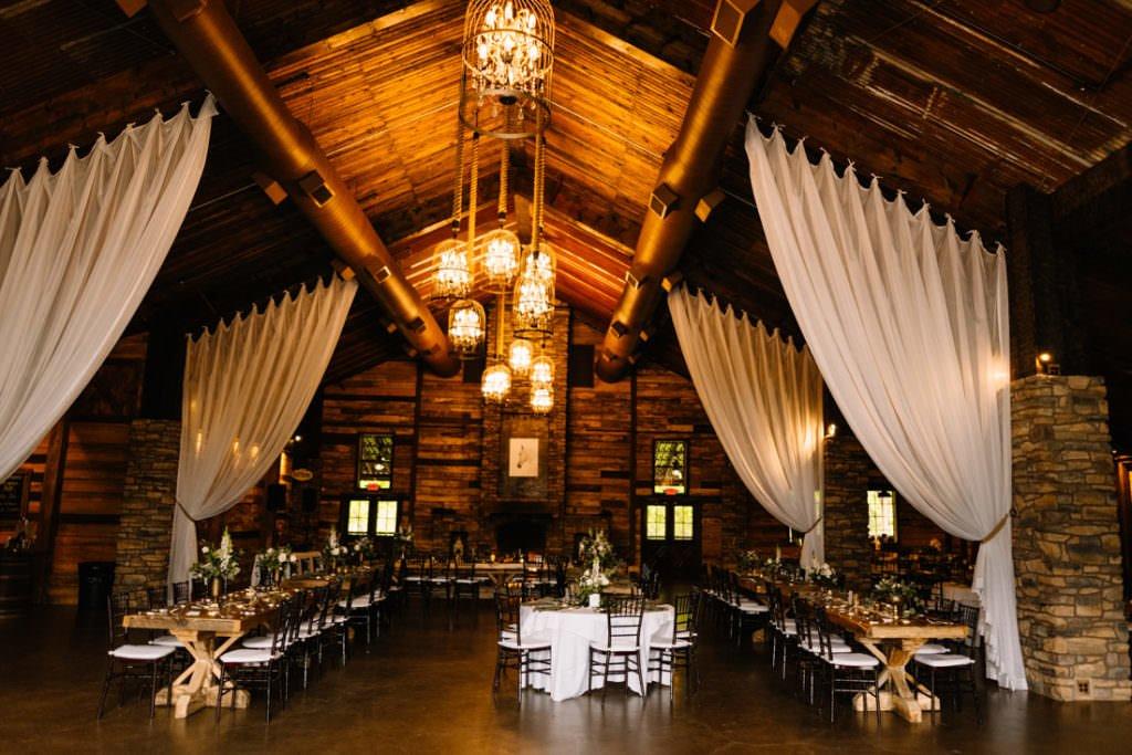 143 big sky barn wedding photographer mongomery texas