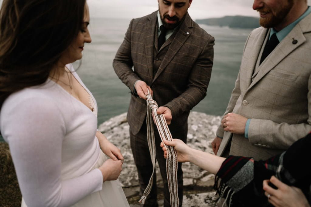 160 elope to ireland wedding photographer cliffs of moher