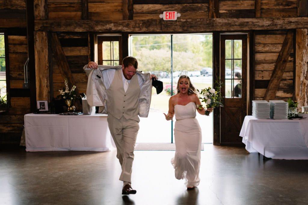 164 big sky barn wedding photographer mongomery texas