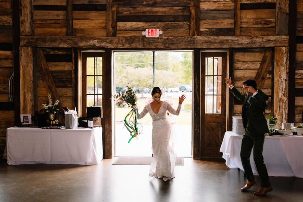 168 big sky barn wedding photographer mongomery texas