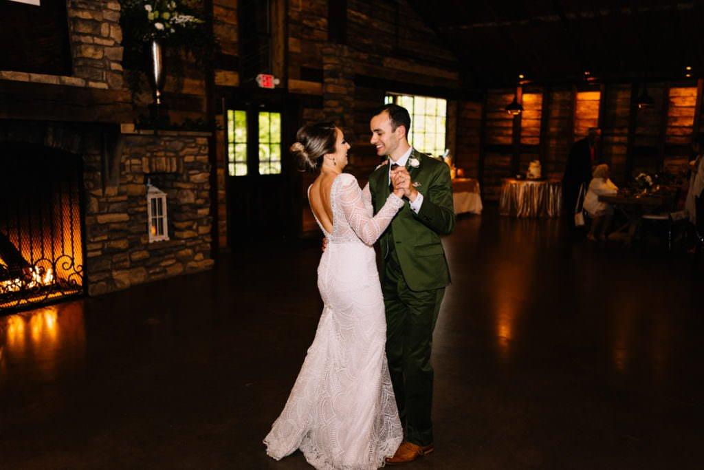 171 big sky barn wedding photographer mongomery texas
