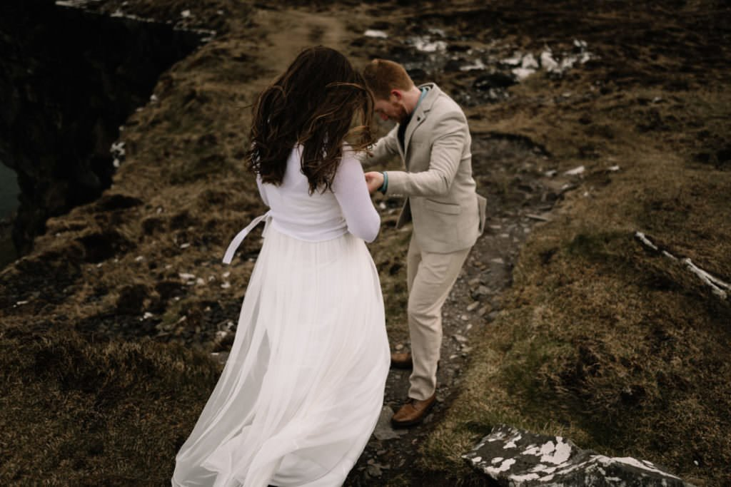 173 elope to ireland wedding photographer cliffs of moher
