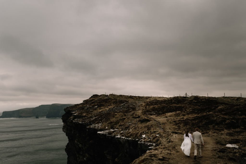 175 elope to ireland wedding photographer cliffs of moher