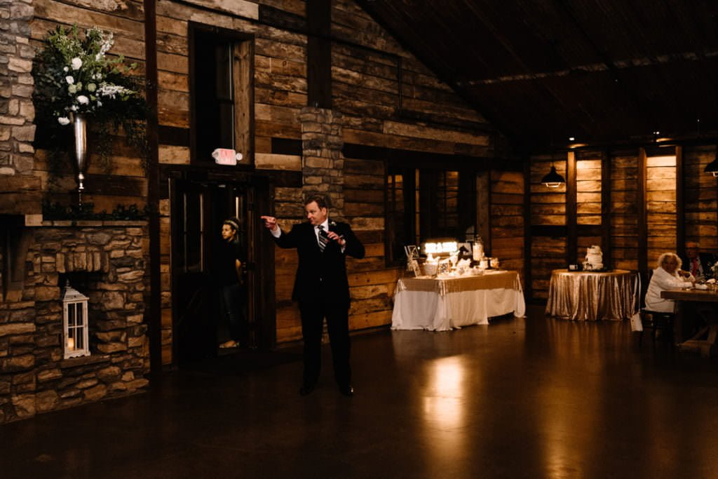 201 big sky barn wedding photographer mongomery texas