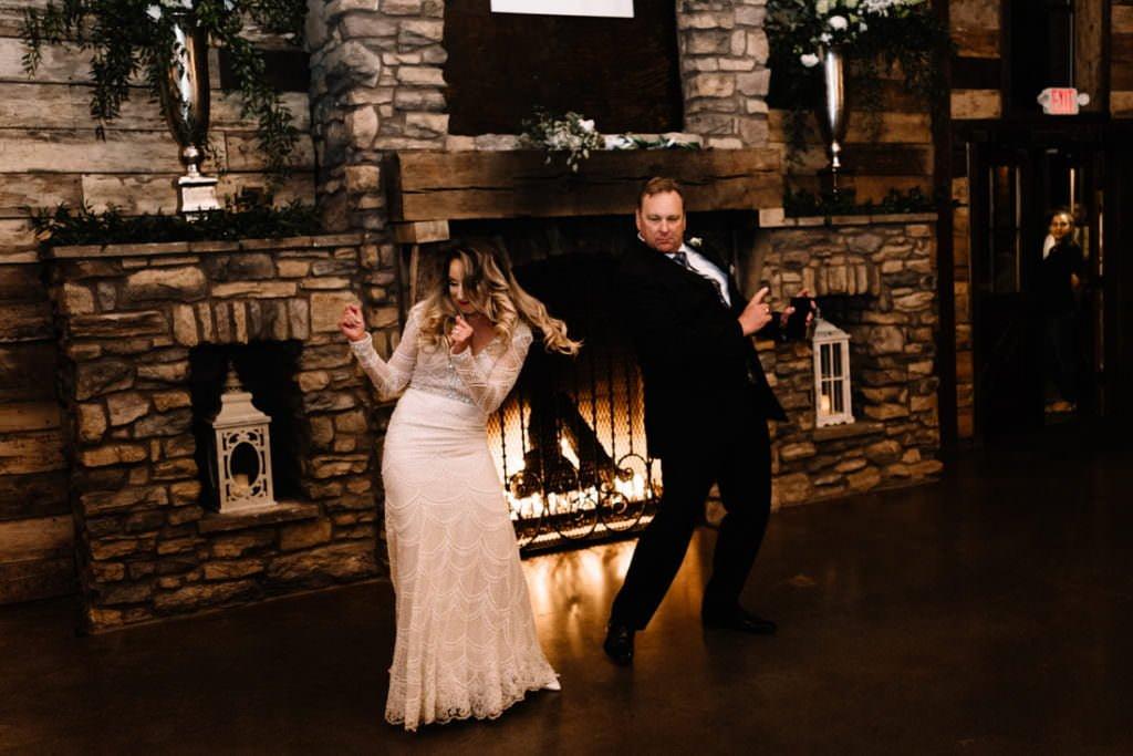 202 big sky barn wedding photographer mongomery texas