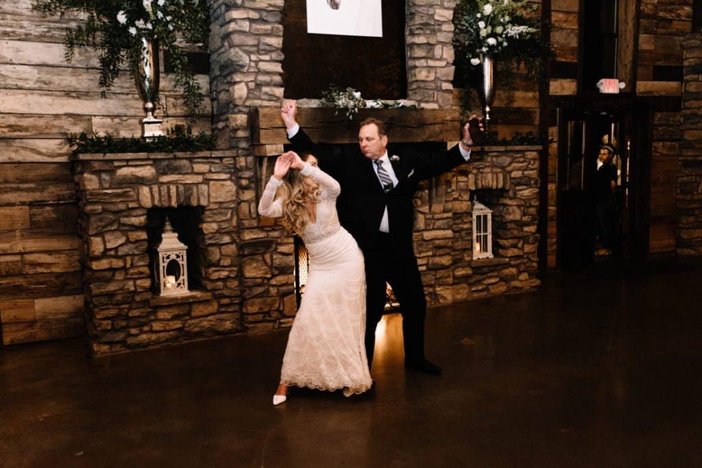 205 big sky barn wedding photographer mongomery texas