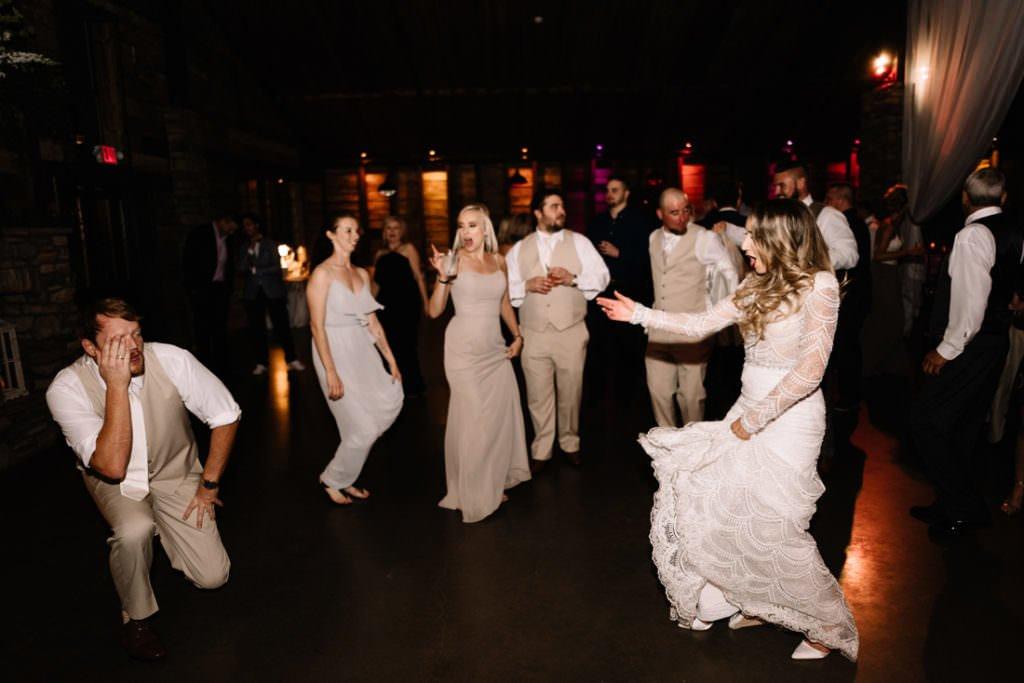 211 big sky barn wedding photographer mongomery texas