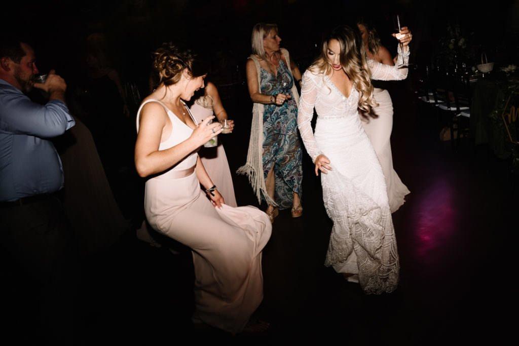 214 big sky barn wedding photographer mongomery texas