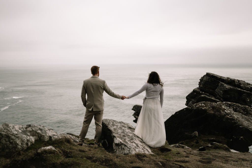 216 elope to ireland wedding photographer cliffs of moher