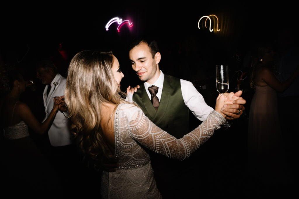 218 big sky barn wedding photographer mongomery texas