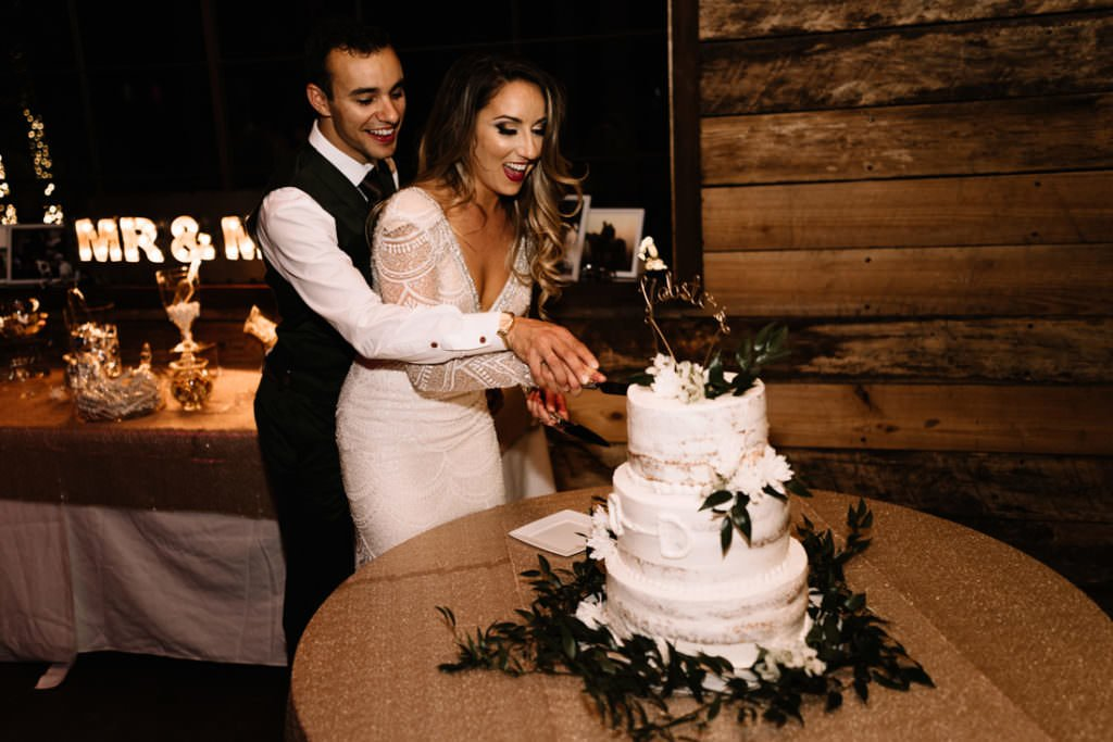 220 big sky barn wedding photographer mongomery texas