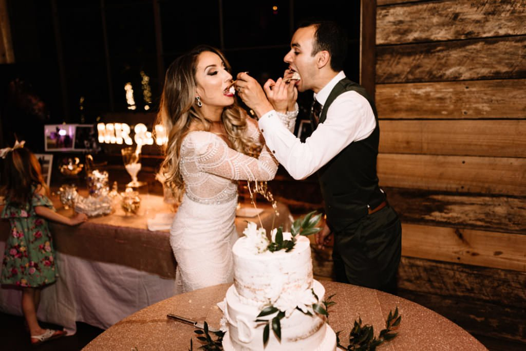 222 big sky barn wedding photographer mongomery texas
