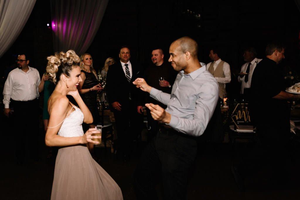 228 big sky barn wedding photographer mongomery texas
