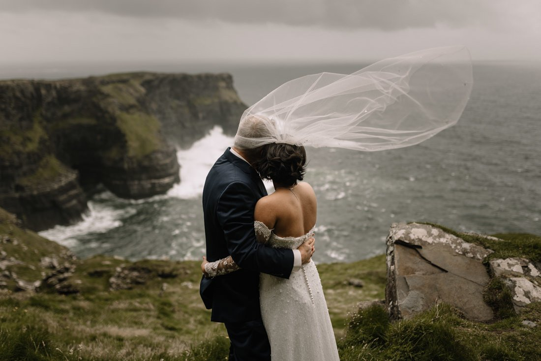 red cliff lodge wedding