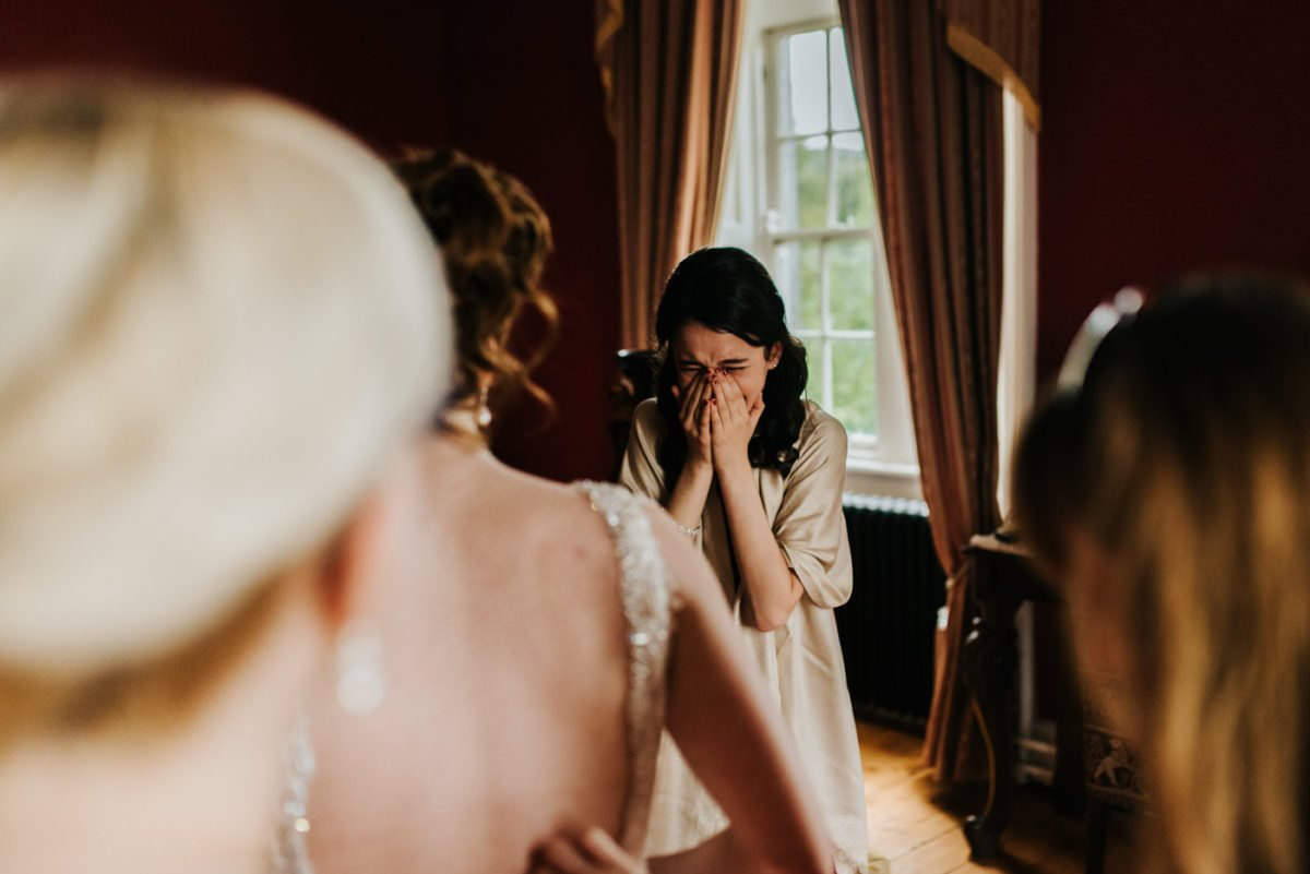 How to choose the right wedding photographer in Ireland